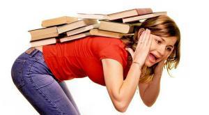 Сидячая работа бьет по спине 65% людей