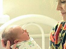Плотно пеленая ребенка, родители провоцируют дисплазию бедренного сустава