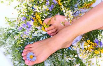 Жировики на ногах: как избавиться?