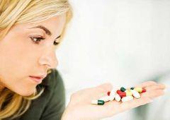 Эксперты призывают не тратиться на витамины