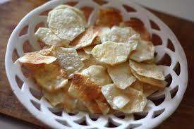 Чипсы, приготовленные с мелкой солью, менее вредны