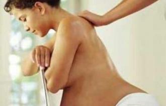 Как безопасно снять боли в позвоночнике при беременности?