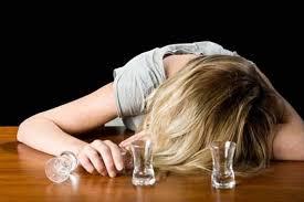 Отвечающий за аппетит гормон также повышает тягу к алкоголю