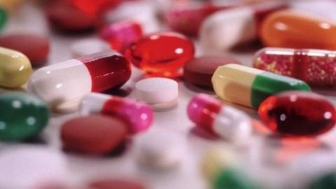 Медики рассказали, почему антибиотики не помогают