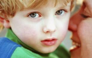 Как определить склонность ребенка к аутизму