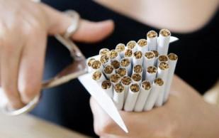 Специалисты рассказали, как бросить курить и не поправится