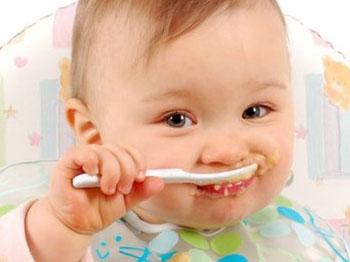 Ошибки, которые допускают родители в кормлении детей