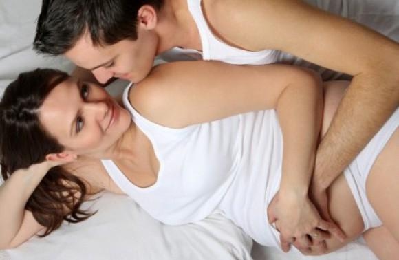 Регулярное занятие сексом снижают риски родить больного ребенка