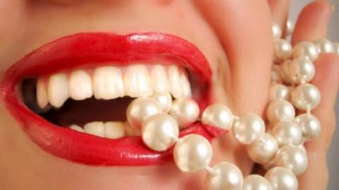 Выяснилось, какие продукты помогут сделать вашу улыбку красивой