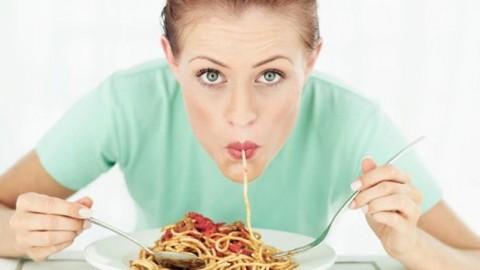 Почему женщинам нельзя есть макароны