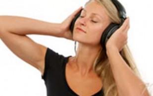Врачи: Люди должны слушать музыку только по часу в день и не очень громко