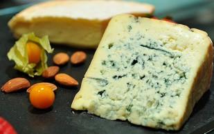 От инсульта спасет сыр с плесенью
