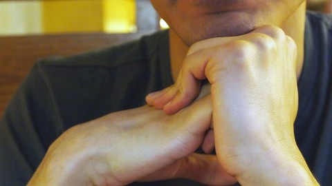 Стало известно, от чего щёлкают суставы пальцев