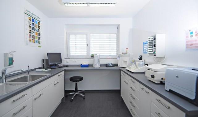 Мебель лабораторная: какой она должна быть?
