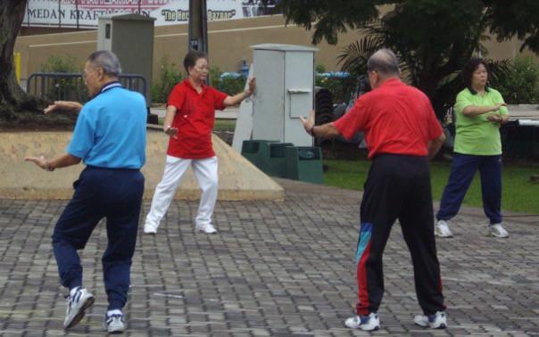 Быстрая ходьба снижает риск сердечных заболеваний у пожилых людей