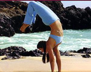 Боль в пояснице можно уменьшить с помощью йоги