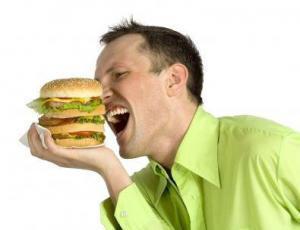 Люди превращаются в пищевых наркоманов