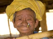 Курение сильно сокращает продолжительность жизни людей с ревматоидным артритом