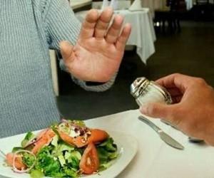 Медики развеяли миф о полезности отказа от соли