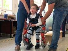 Детский экзоскелет обещает перевернуть лечение двигательных нарушений