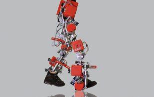 Первый в мире детский экзоскелет поможет ходить