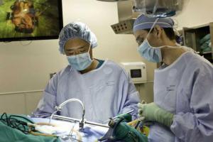 Хирурги заменят мозг пациентов на 3D-модель