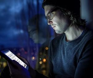 Чтение с планшета улучшает качество сна