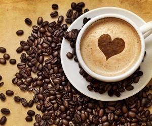 Медики рассказали, почему нельзя пить кофе на ночь