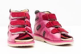 Ортопедическая обувь: достоинства и особенности
