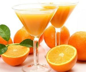 Диетологи советуют заменить воду на полезные напитки