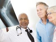 Поставить протез сустава — полдела. Важно правильно реабилитироваться, говорят эксперты