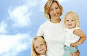 Слинг может стать причиной сколиоза у ребенка