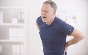 Мужчины сильнее женщин рискуют умереть из-за связанных с остеопорозом переломов