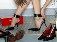 Ученые рассказали, чем опасна обувь, которая не подходит по размеру