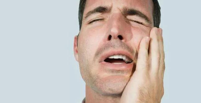 Болит челюсть: как облегчить состояние?..