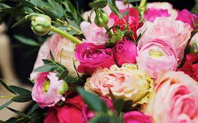 Букеты из свежих ароматных цветов на заказ с доставкой в Луцке