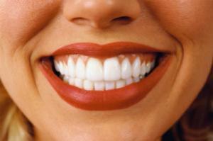 Клей для зубных протезов может содержать опасные для здоровья вещества