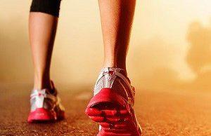 Медики предупредили, о чем свидетельствует скорость ходьбы