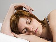 Крепкий сон и витамин D помогают при артрите и хронической боли в спине