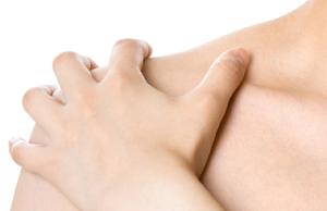Беспомощность и беззащитность вызывают проблемы с плечевыми суставами