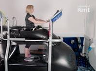 «Космическая беговая дорожка»: травма колена — не приговор