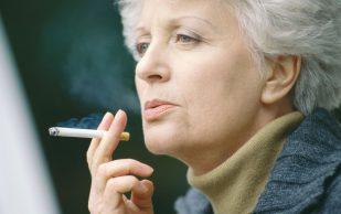 Отказ от курения снижает риск ревматоидного артрита у женщин в постменопаузе