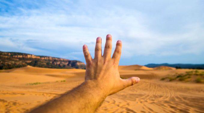 Может ли привычка хрустеть повредить суставам?