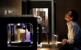 Самарские ученые научились «выращивать» на 3D-принтере протезы суставов