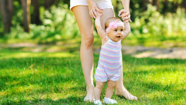 Дети, которые начинают рано ходить, имеют более сильные кости