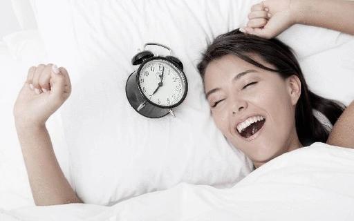 Зачем нужны потягивания по утрам