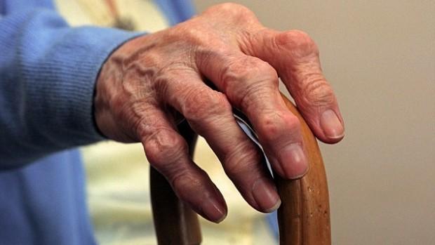 Инъекции собственного жира помогут облегчить боль при артрите
