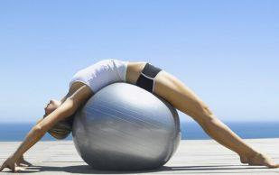 Лечебная физкультура при остеохондрозе оказывает позитивное влияние на позвоночник