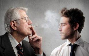 Пассивное курение повышает риски патологии суставов у детей