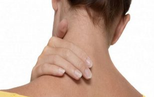 Как избавиться от болей в области шеи